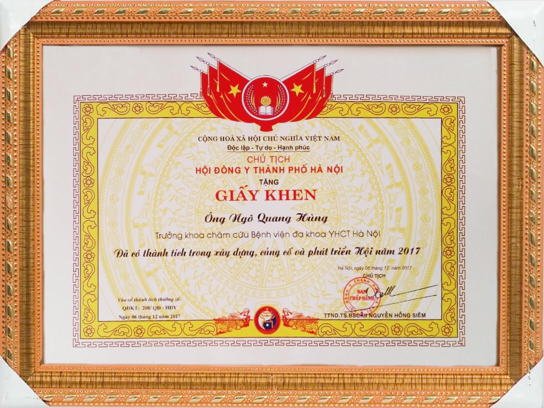 Bằng khen của chủ tịch hội đông y TP Hà Nội năm 2017 tặng Ths.Bs Ngô Quang Hùng